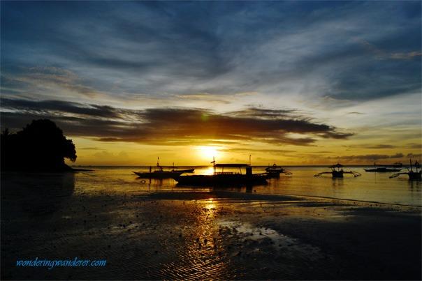 Wonderful sunrise in Alona Beach Bohol