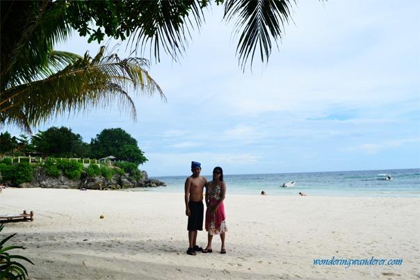 Lovers in Alona Beach Bohol