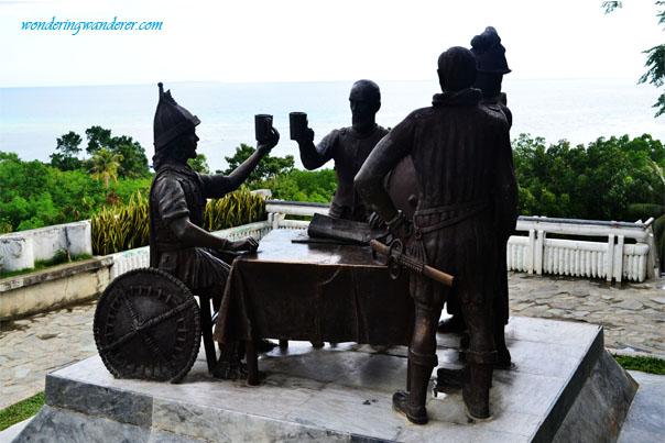 Tagbilaran's Bohol Blood Compact Site - Sandugo Statue
