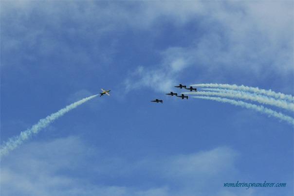 Breitling Jet Team's Stunt 4