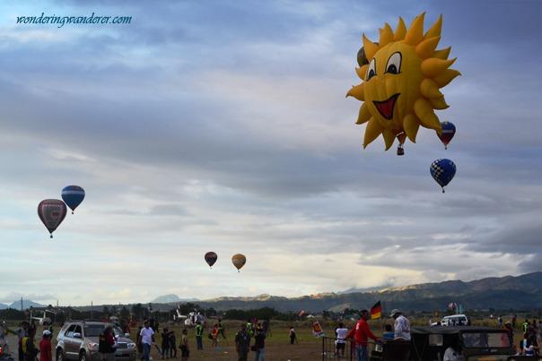 Hot Air Ballon Festival's Balloons in the air