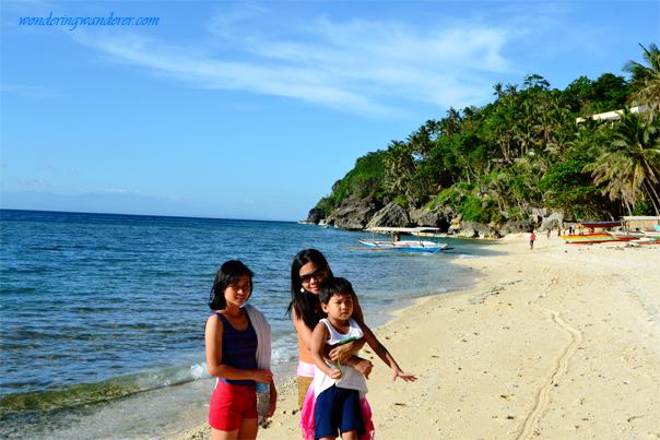 Guisi Beach white sand