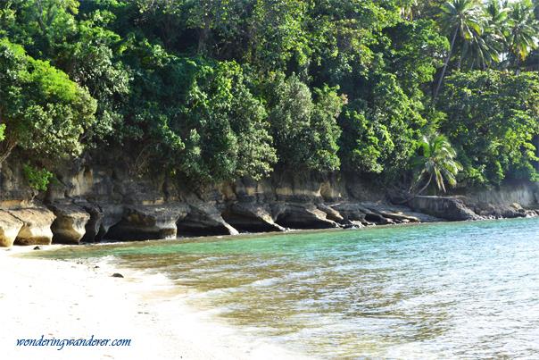 Odd looking rocks of Guisi Beach