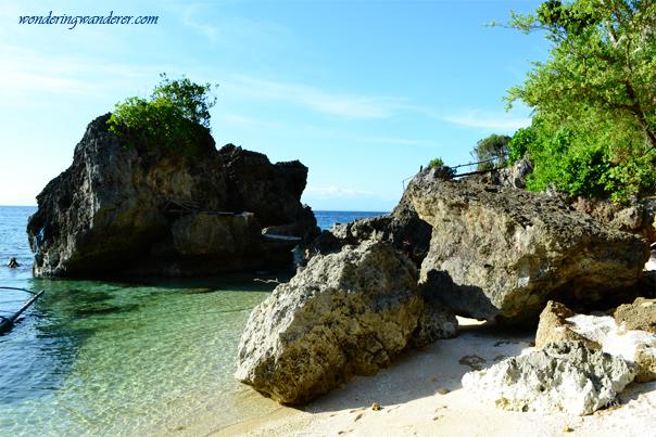 Large rocks at Guisi Beach