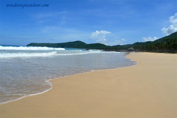 Shore of Nacpan Beach, El Nido