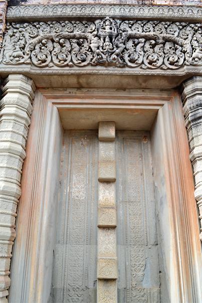 Grandest door of East Mebon Temple - Siem Reap