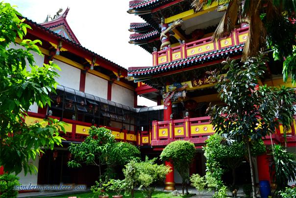 Chinese temple facade - Binondo, Manila - Philippines