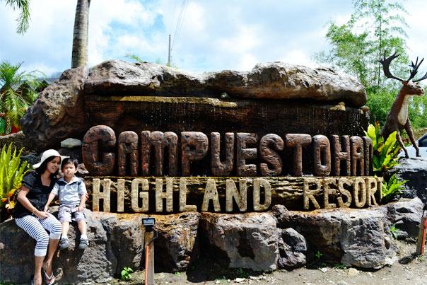 Welcome sign of Campuestohan Highland Resort