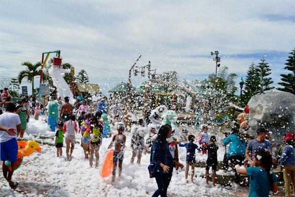Bubble bath at Campuestohan HIghland Resort