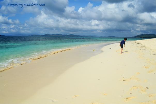 "Fine sands of Naked Island ""Pansukian Sandbar"""