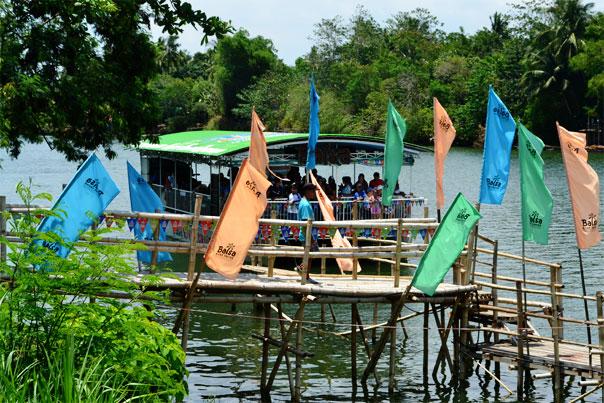 Balsa River Cruise: Native Floating Restaurant Boat