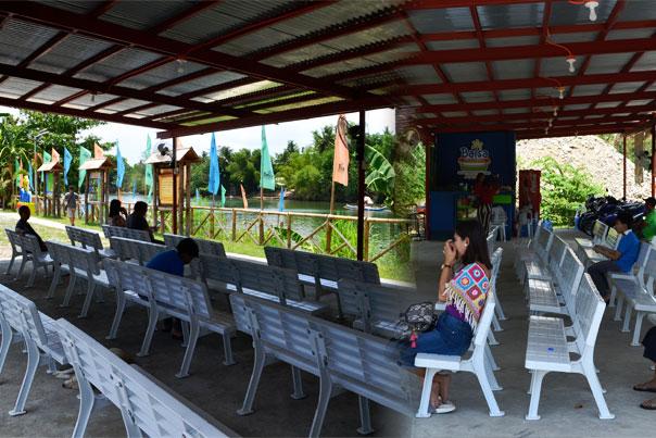 Balsa River Cruise: Native Floating Restaurant Waiting Area