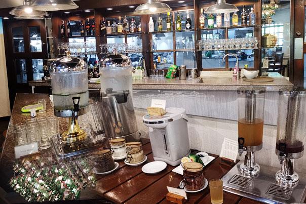 Nature's Village Resort wine bar