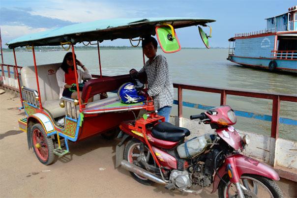 Tuk-tuk sailing to Koh Dach